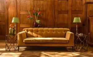 Lobby-Arbeit am Sofa