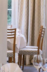 Stoffauswahl für das Restaurant im Schlosshotel Hasenwinkel